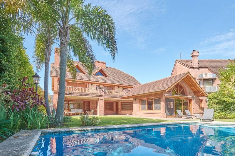 Foto Casa en Venta en  San Isidro Chico,  Countries/B.Cerrado (San Isidro)  El Aguaribay 1500