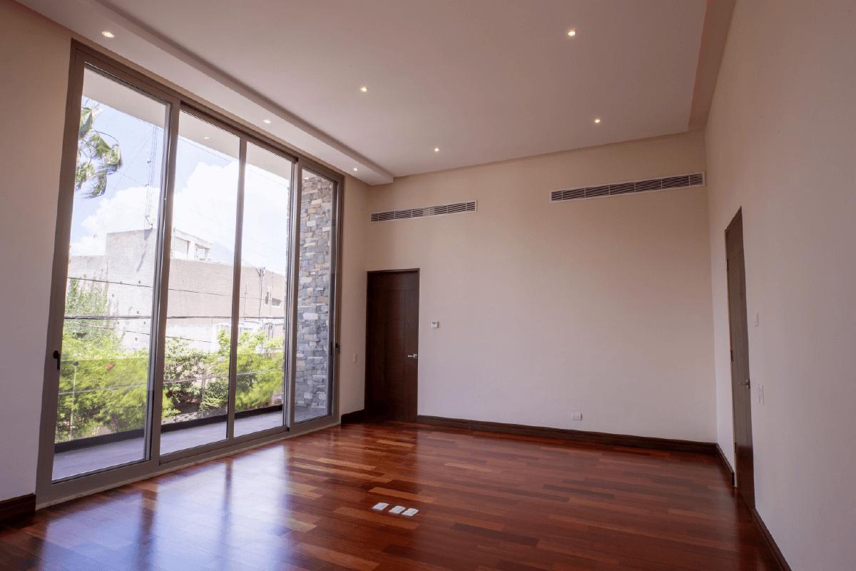 Foto Casa en Venta en  Del Valle,  San Pedro Garza Garcia  CASA EN VENTA COL DEL VALLE  SAN PEDRO GARZA GARCÍA N L $28,100,000