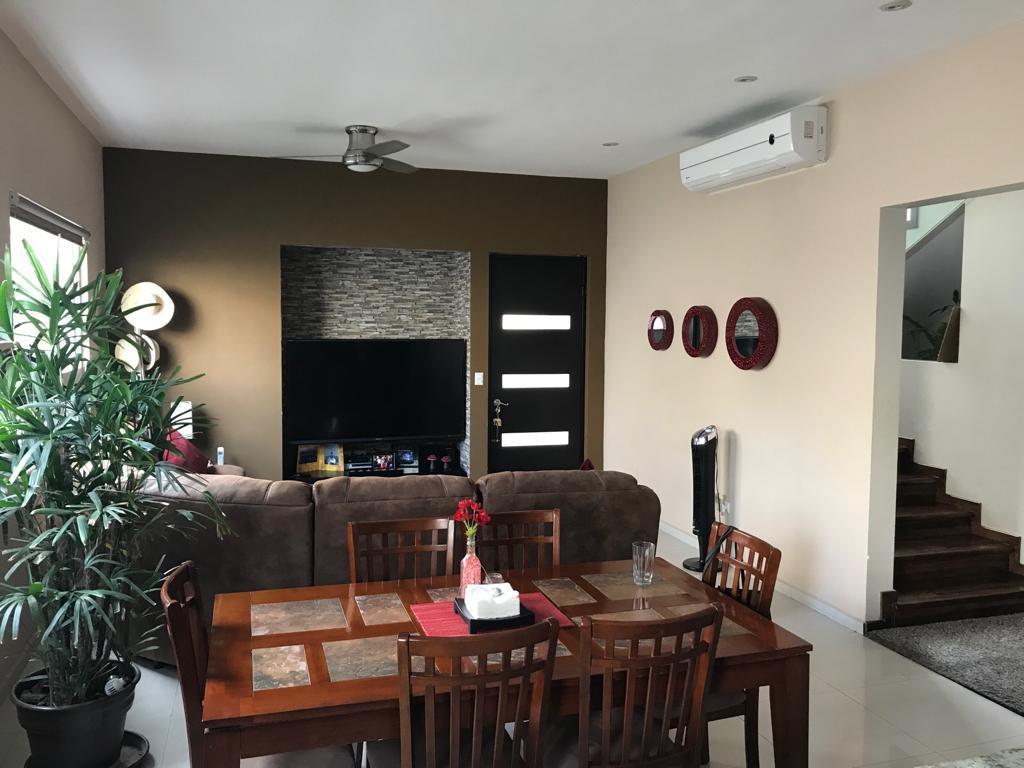 Foto Casa en Venta en  Canterías 1 Sector,  Monterrey  Casa en Venta  en Fracc. Canterias - Zona Carretera Nacional. (RB)