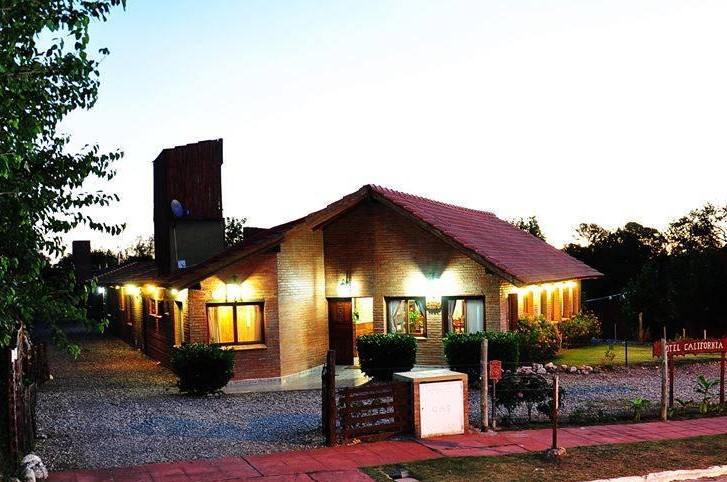 Foto Hotel en Venta en  Merlo,  Junin  VENDO HOTEL DE 4000 M2 EN PIEDRA BLANCA MERLO SAN LUIS