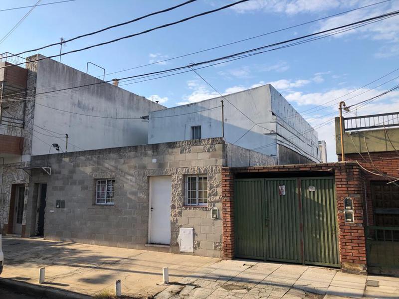 Foto Casa en Venta en  V.Maipu,  General San Martin  Echeverria 2564