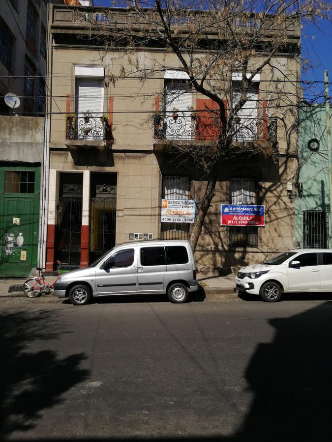 Foto PH en Alquiler en  Parque Patricios ,  Capital Federal  DR.ENRIQUE FINOCHIETTO N° al 2100
