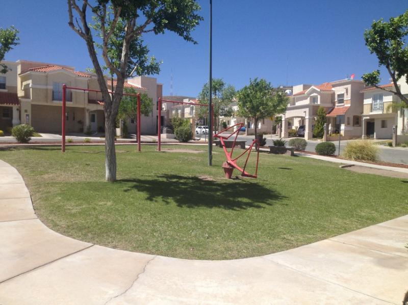 Foto Casa en condominio en Renta en  Fraccionamiento Senda Real,  Chihuahua  Renta Amueblada Senda Real
