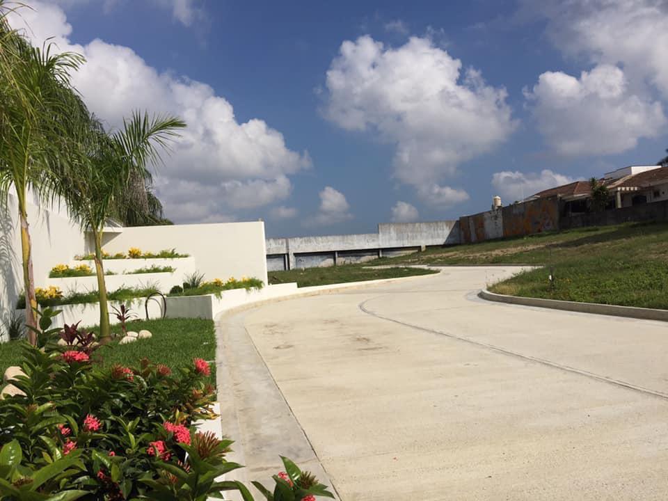 Foto Terreno en Venta en  Vista Hermosa,  Tampico  Terreno Residencial en VENTA Fracc. El Naranjal Tampico, Tamps