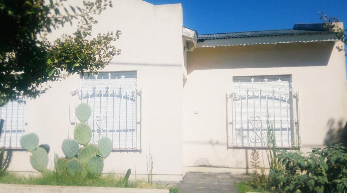 Foto Casa en Venta en  Eduardo Castex,  Conhelo  Entre Ríos Nº al 1000 - Eduardo Castex