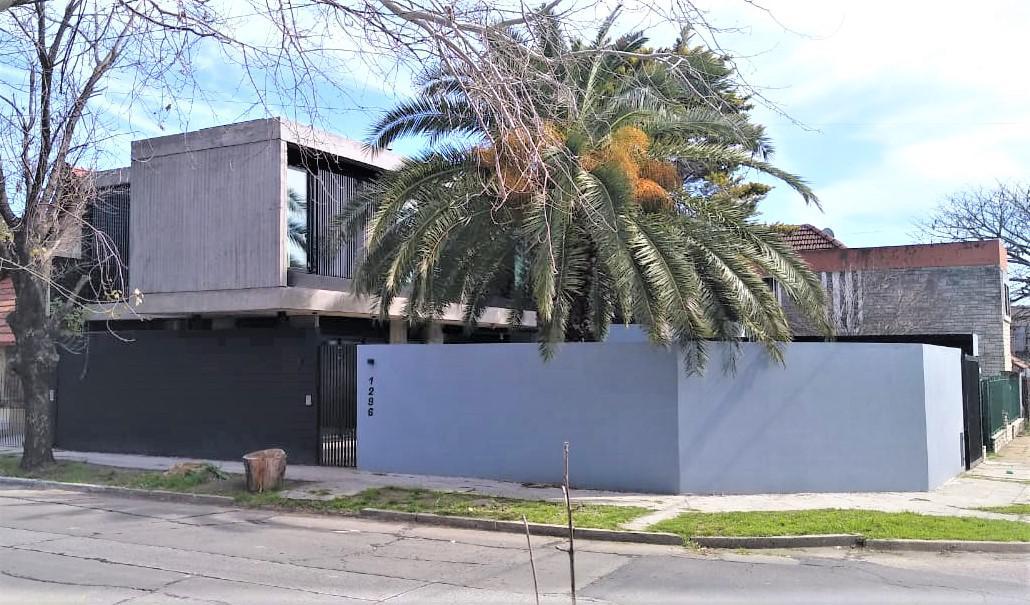 Foto Casa en Venta en España al 1200, G.B.A. Zona Oeste   Moron   Castelar