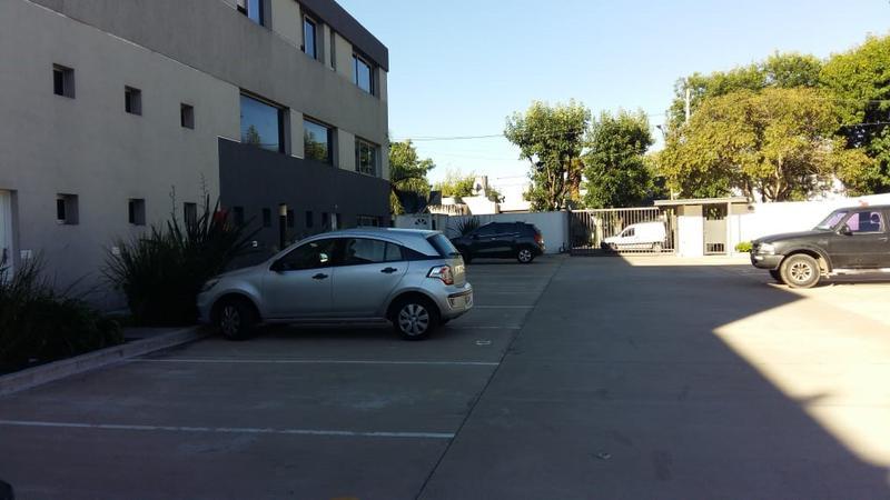 Foto Oficina en Alquiler en  Barrio Parque Leloir,  Ituzaingo  pte.peron al 6600