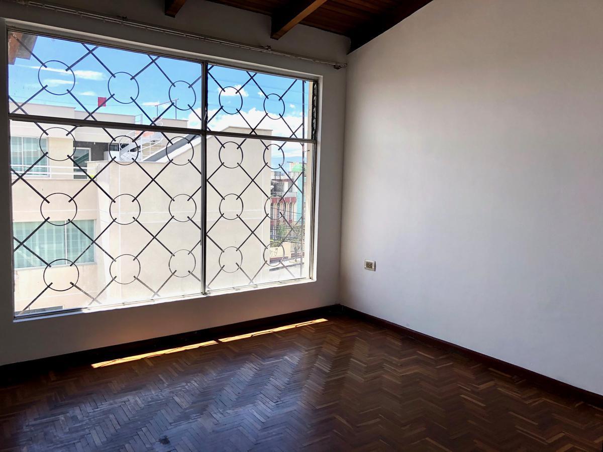 Foto Departamento en Alquiler en  Norte de Quito,  Quito  Suite en barrio Florida, Quito