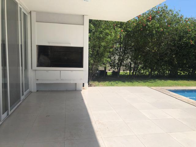 Foto Casa en Venta   Alquiler en  Los Castores,  Nordelta  av.los lagos al 100
