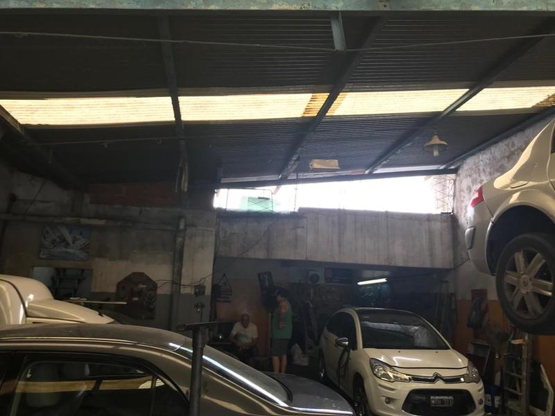 Foto Local en Venta | Alquiler en  Banfield,  Lomas De Zamora  Monteagudo 928