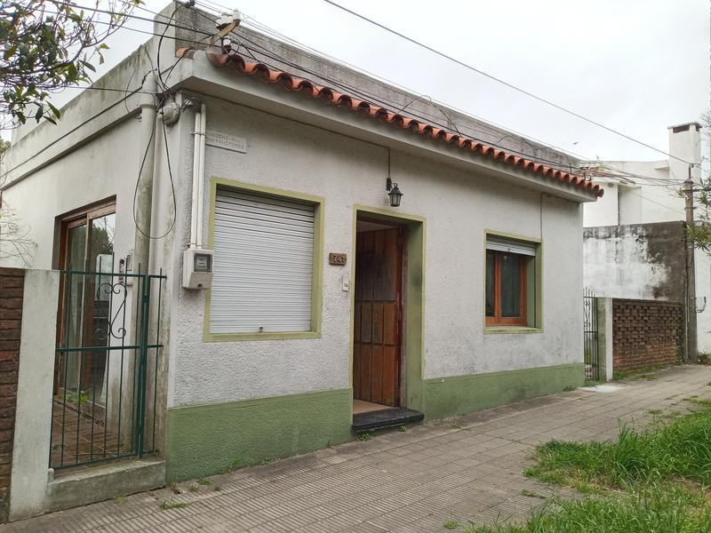 Foto Casa en Venta en  Colonia del Sacramento ,  Colonia  ROSENTHAL  entre Soriano y Varela