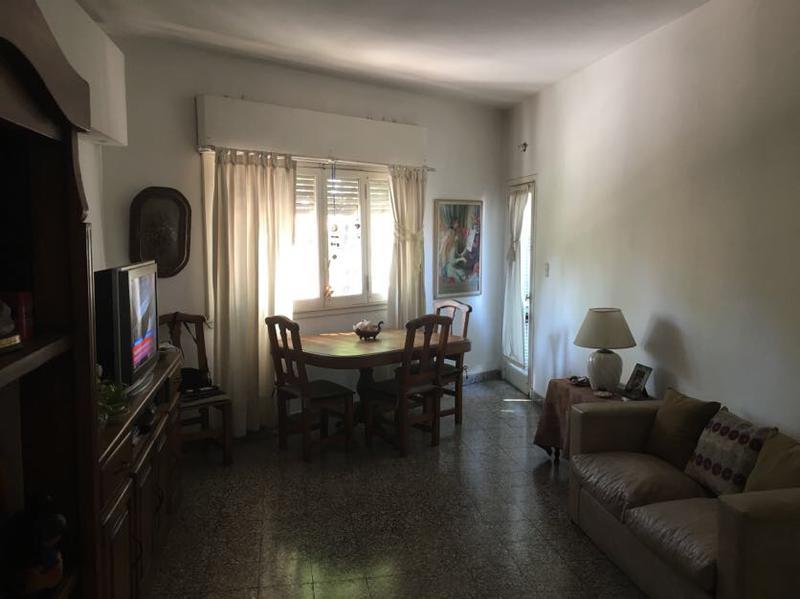 Foto PH en Venta en  Lomas de Zamora Oeste,  Lomas De Zamora  Oliden al 100