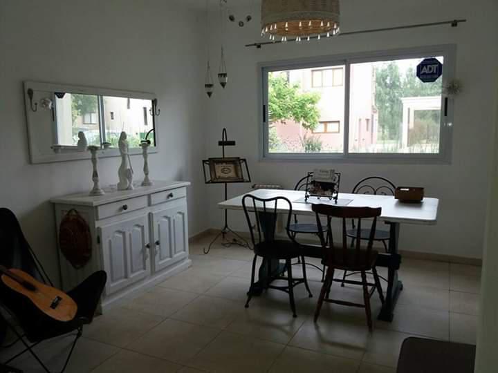 Foto Casa en Venta en  Pilar ,  G.B.A. Zona Norte  La Cañada - Los Tilos