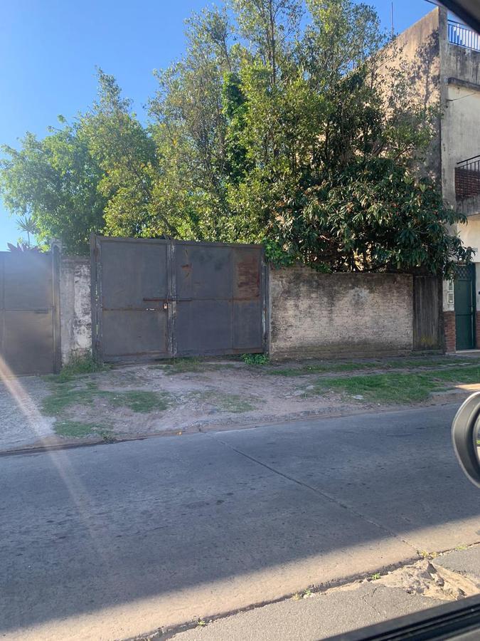 Foto Terreno en Venta en  San Andres,  General San Martin  Sarmiento Nº 2000