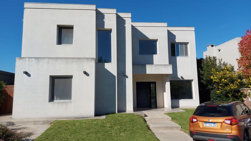 Foto Casa en Alquiler en  La Damasia,  Countries/B.Cerrado (San Fernando)  La Damasia - Ex Combatiente Reguera s/n y Colectora Acceso Norte Ramal Tigre