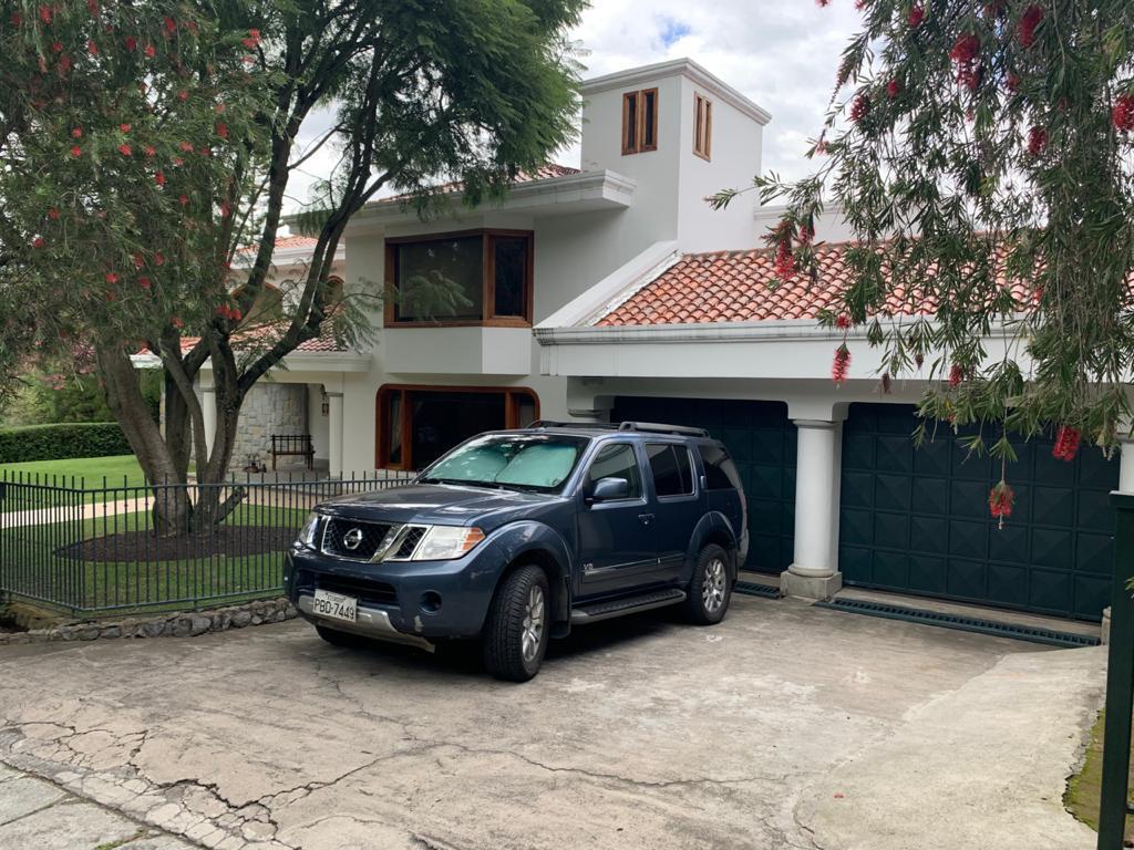 Foto Casa en Venta en  Cumbayá,  Quito  Urbanización Cerrada junto a la Viña