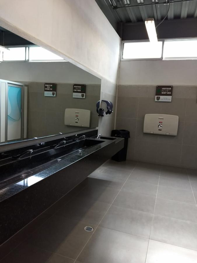 Foto Local en Renta en  León ,  Guanajuato  Local en centro comercial en renta en Sangre de Cristo / León (Guanajuato).
