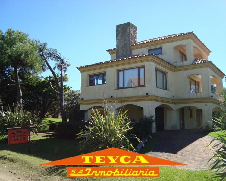 Foto Casa en Venta en  Norte Playa,  Pinamar  CUL DE SAC Ulises 145 E/ Odisea y  Cefiro
