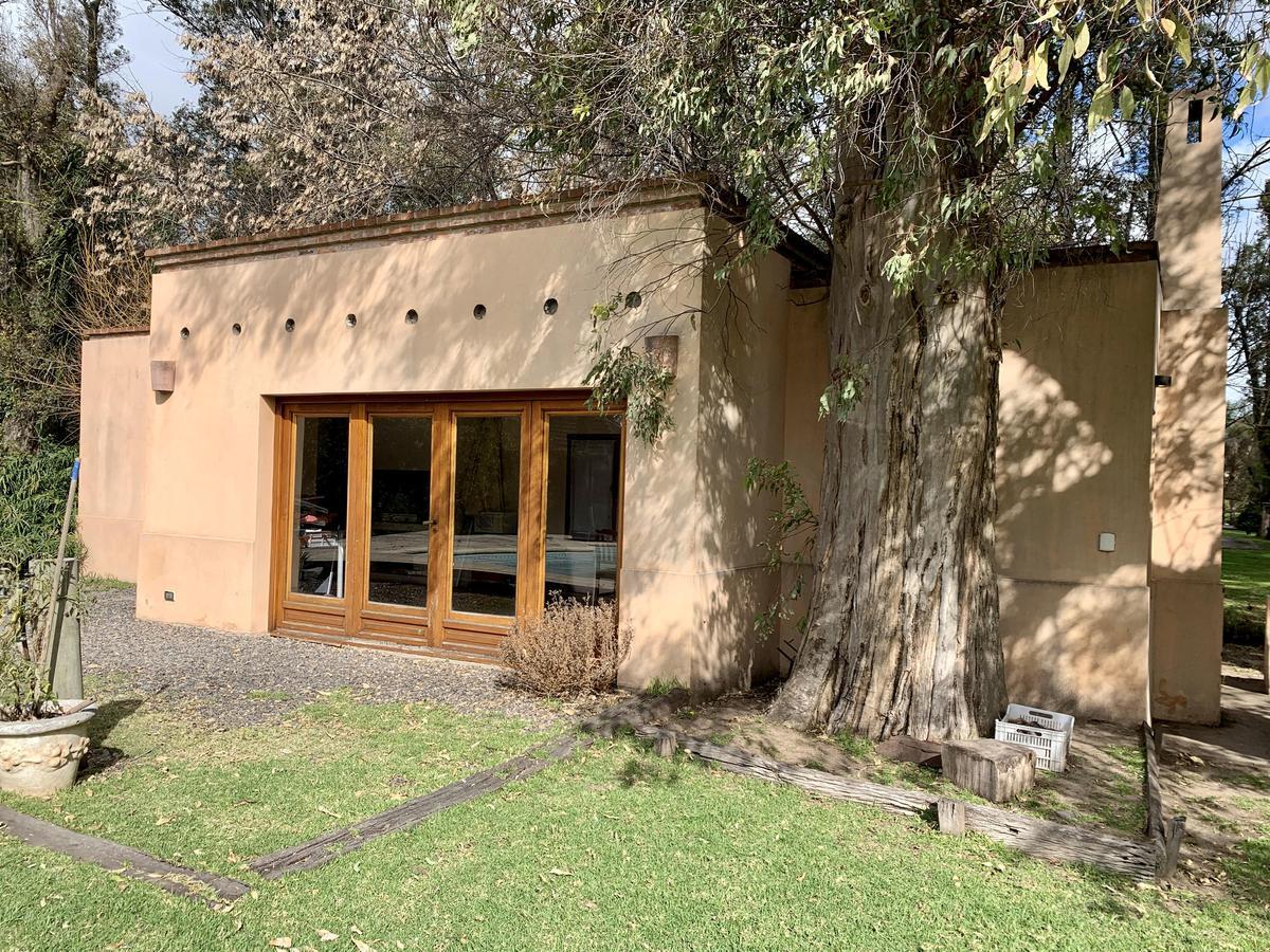 Foto Casa en Venta en  Campos De Alvarez,  Countries/B.Cerrado (Moreno)  Campos de Alvarez