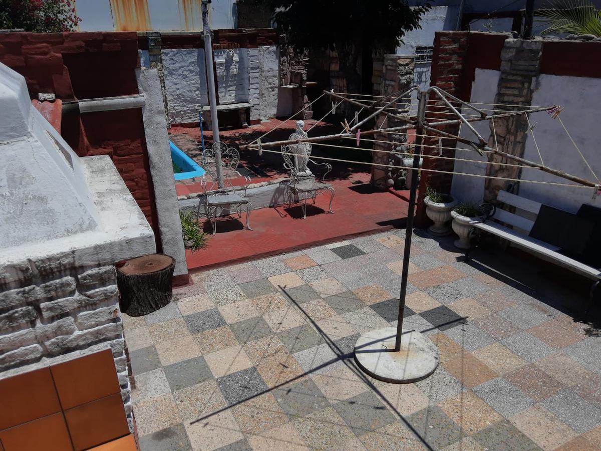 Foto Casa en Venta en  Lomas Del Mirador,  La Matanza  Charcas al 4300
