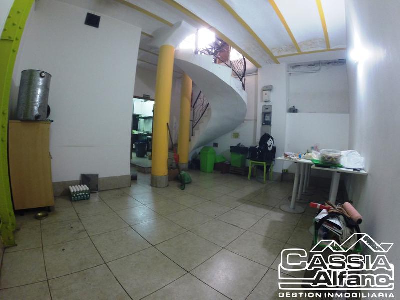 Foto Local en Venta en  Monserrat,  Centro  PIEDRAS 120