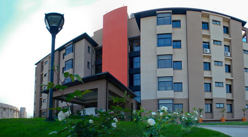 Foto Departamento en Alquiler en  Yerba Buena ,  Tucumán  Av. Presidente Perón y Salta