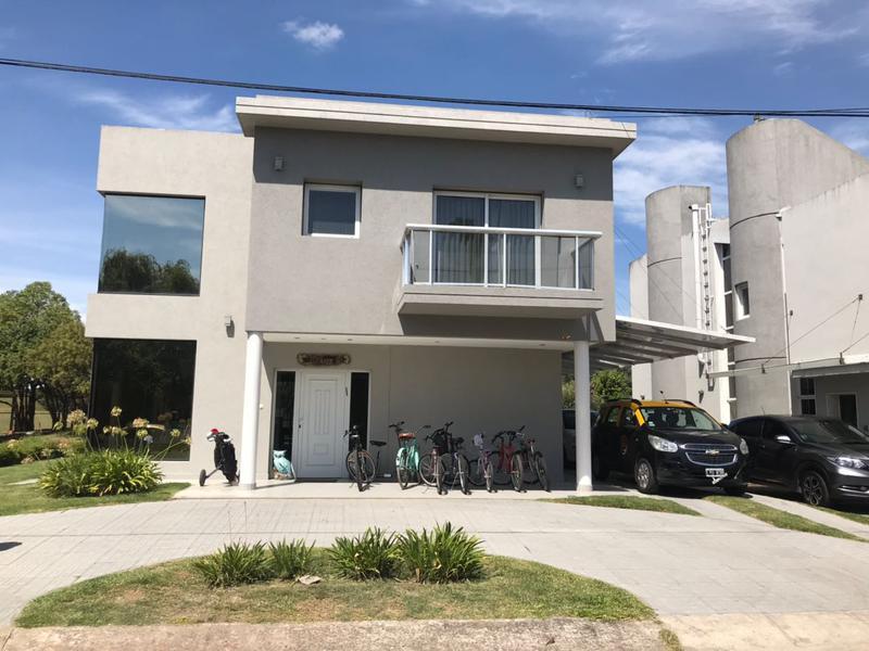 Foto Casa en Venta en  El Sosiego,  Countries/B.Cerrado  Excelente Casa en El Sosiego