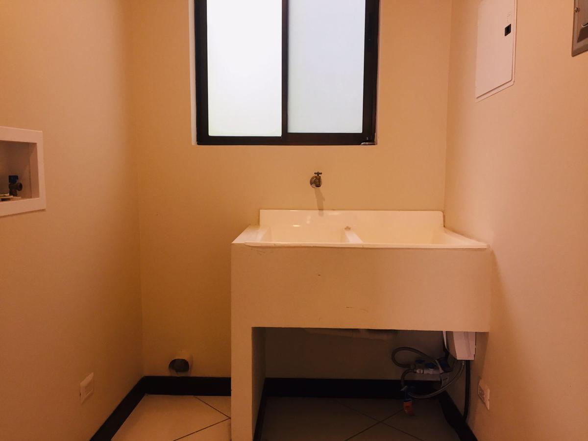 Foto Departamento en Renta en  Santana,  Santa Ana  Santa Ana Centro / Amplio / Pet Friendly / Cerca de Forum I y II