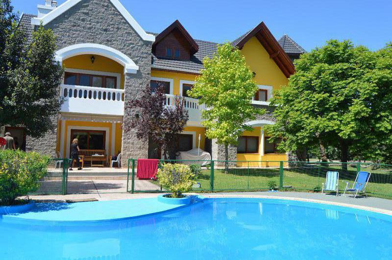 Foto Casa en Venta en  Parque Las Naciones,  Countries/B.Cerrado (San Vicente)  Oportunidad! Impresionante casa en Parque Las Naciones
