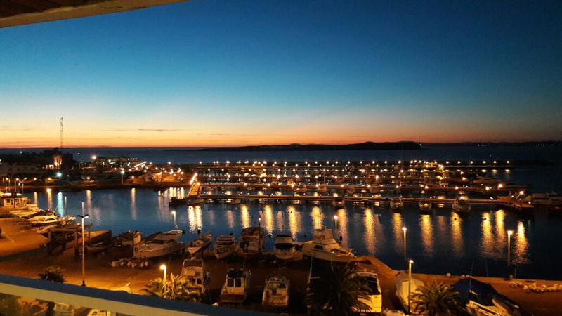 Foto Departamento en Alquiler temporario en  Puerto,  Punta del Este  Magnifico y Exclusivo Apartamento en Punta del Este con la Mejor Vista  al Mar