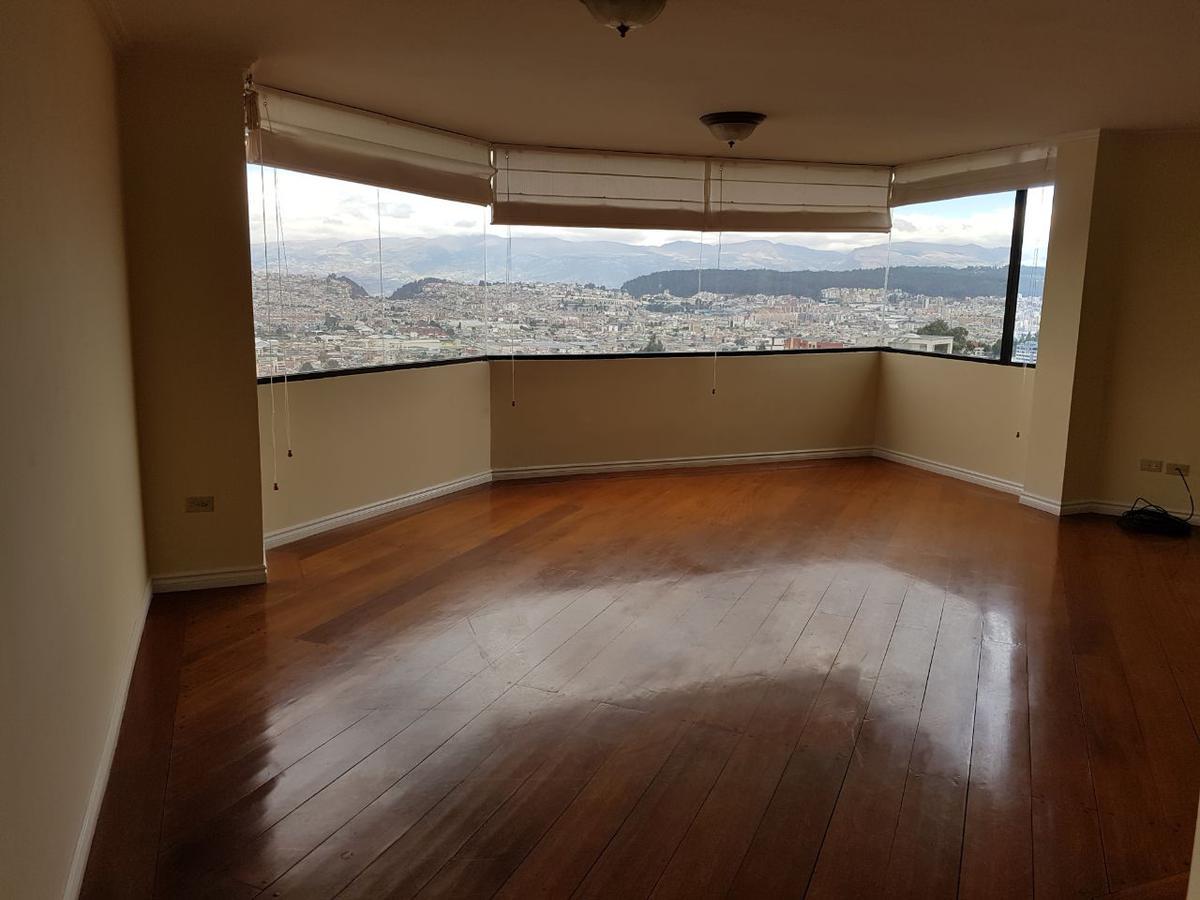 Foto Departamento en Alquiler en  El Pinar,  Quito  PINAR ALTO