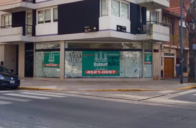 Foto Local en Venta en  Urquiza R,  V.Urquiza  Bauness al 1900
