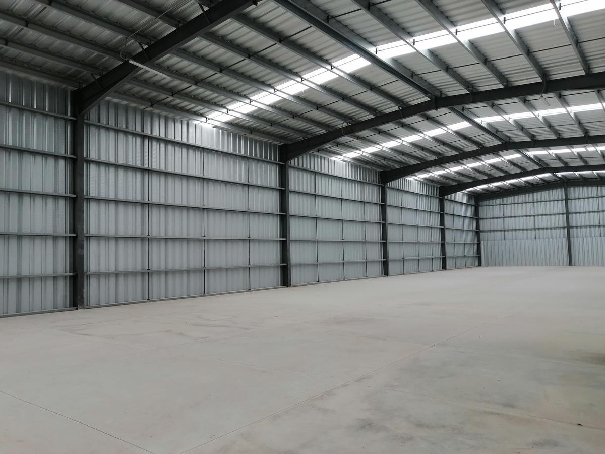 Foto Nave Industrial en Renta en  Umán ,  Yucatán  Bodega De 1,000 m2 Con Oficinas Entrada A Umán, Yuc.