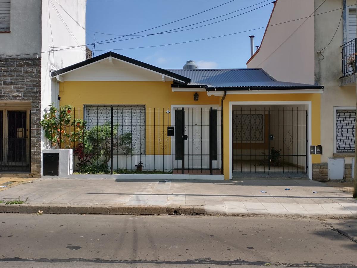 Foto Casa en Alquiler en  Olivos,  Vicente López  Bermúdez al 1700