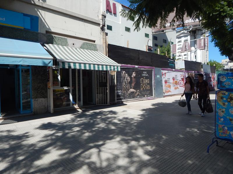 Foto Local en Alquiler en  San Telmo ,  Capital Federal  Bernanrdo de Irigoyen y Av. San Juan