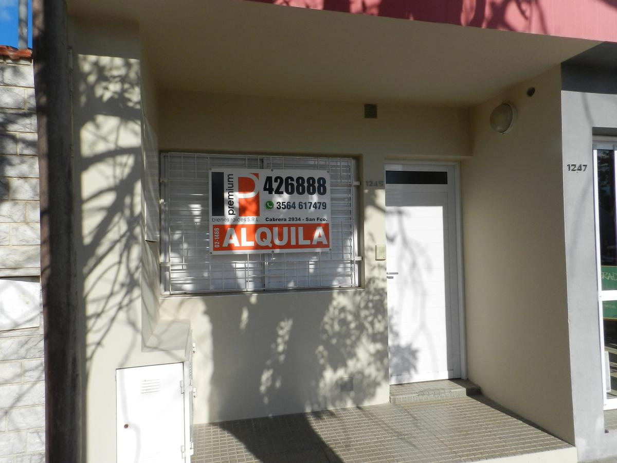 Foto Departamento en Alquiler    en  Jardín,  San Francisco  Caseros al 1200