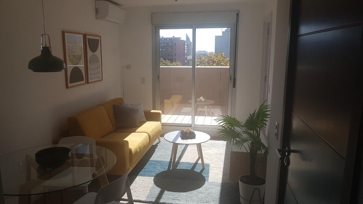 Foto Apartamento en Venta en  Centro (Montevideo),  Montevideo  Enrique Tarigo al 1300