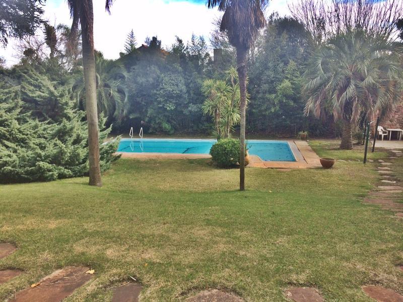 Foto Casa en Alquiler en  Carrasco ,  Montevideo  Ideal gran familia o empresa