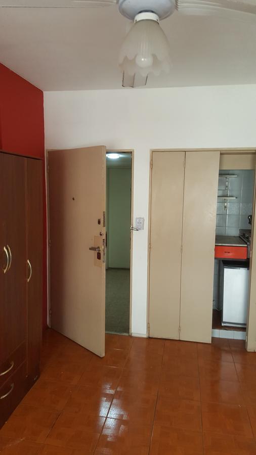 Foto Departamento en Alquiler en  Monserrat,  Centro (Capital Federal)  HIPOLITO IRIGOYEN  al 1300