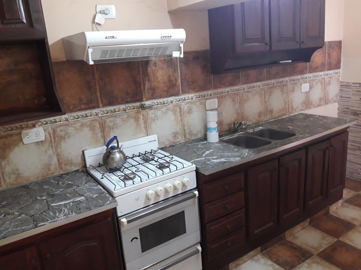 Foto Casa en Venta en  El Palomar,  Moron  Sargento Cabral  al 1400/Casa 5amb./A.Credito