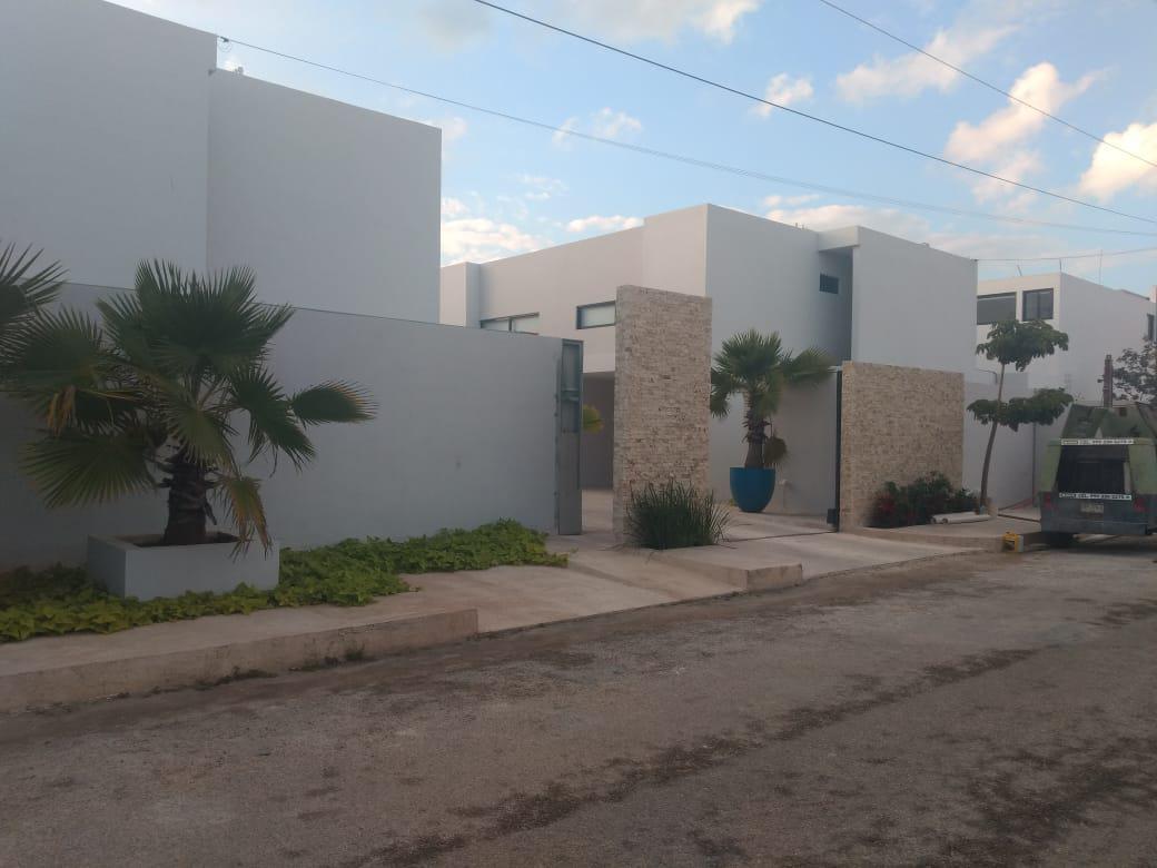 Foto Casa en Renta en  Temozon Norte,  Mérida  Rento Town House nuevo en Temozon Norte
