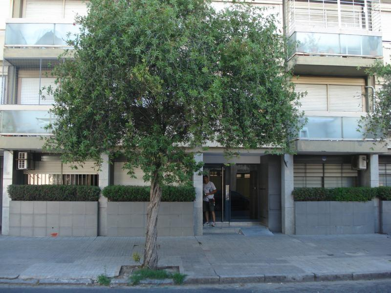 Foto Departamento en Venta | Alquiler en  Centro,  Rosario  Moreno al 1200