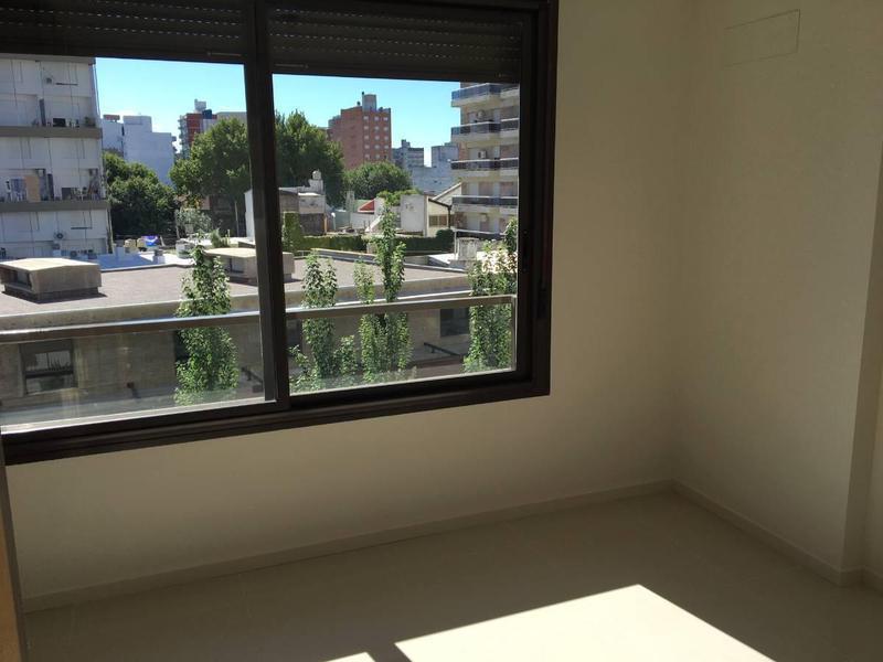 Foto Departamento en Venta en  Rosario,  Rosario  Vera Mujica 1300 12-01