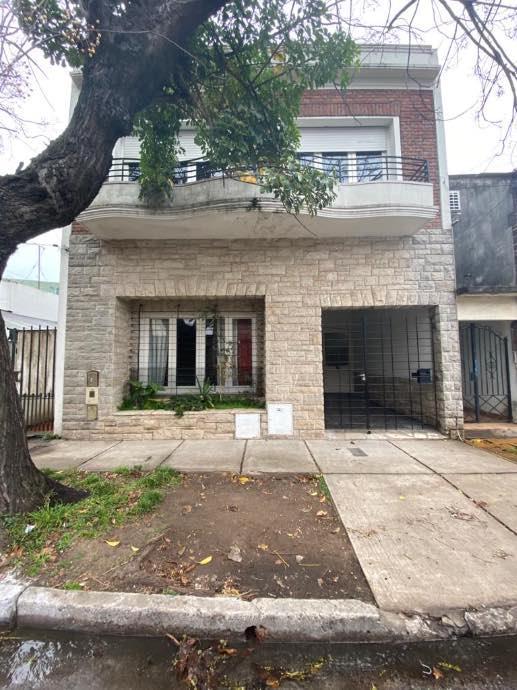Foto Casa en Alquiler en  Bernal,  Quilmes  Guido Spano al 700