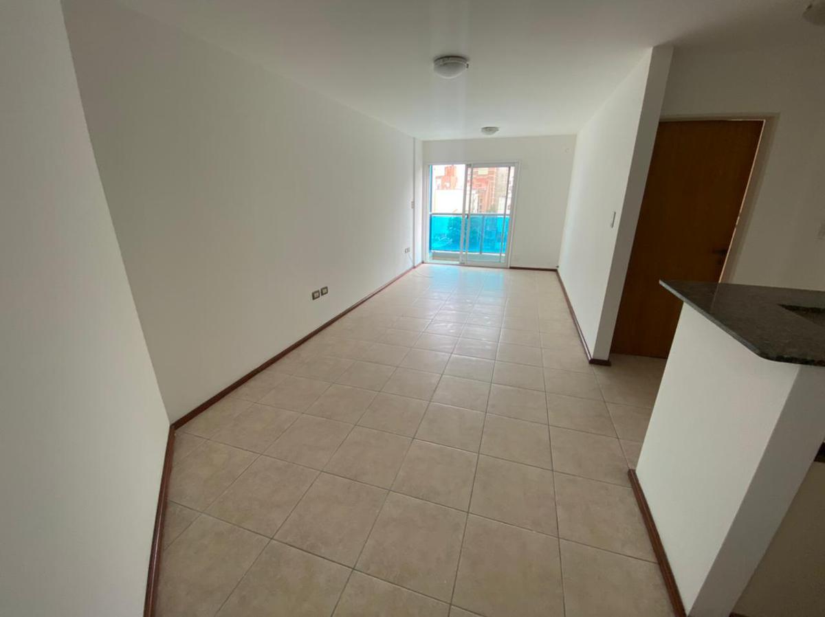 Foto Departamento en Alquiler en  Nueva Cordoba,  Cordoba Capital  Ambrosio Olmos al 600