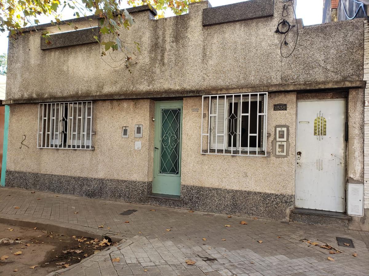 Foto Casa en Venta en  Remedios de Escalada de San Martin,  Rosario  GUTEMBERG al 1500