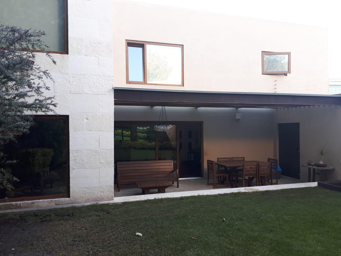 Foto Casa en Venta en  Lomas de las Palmas,  Huixquilucan  Hermosa casa en venta en Lomas de las Palmas