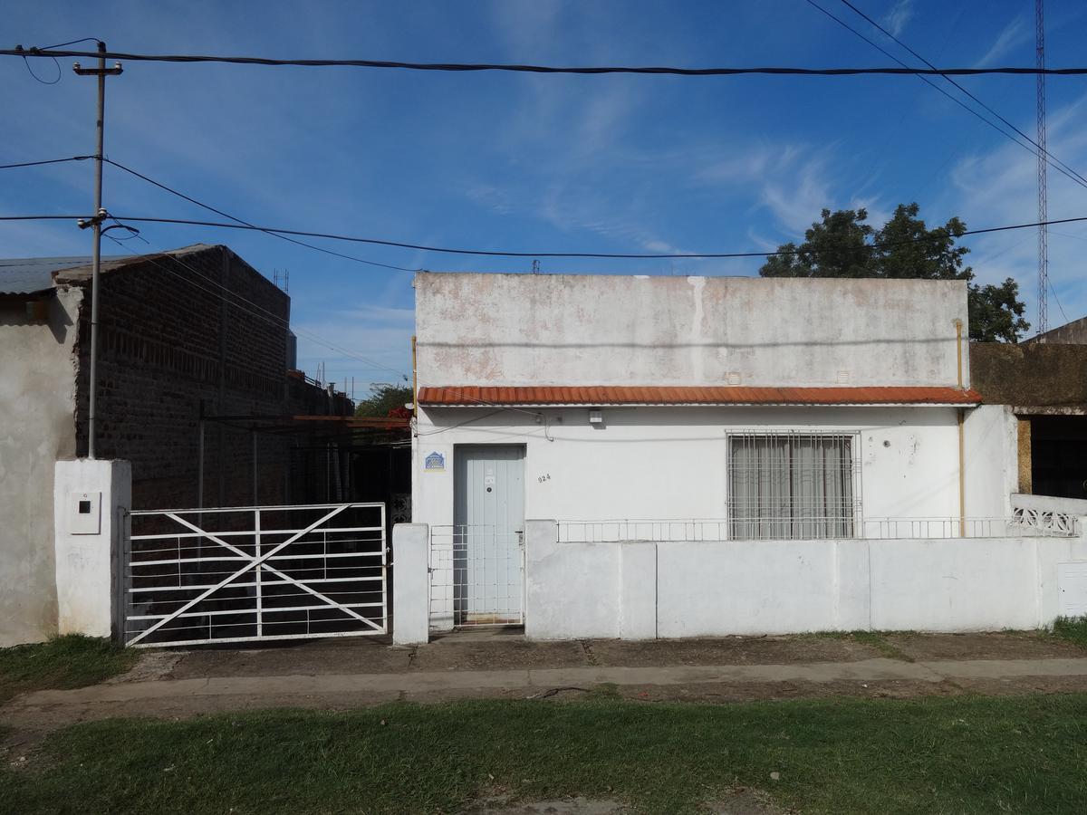 Foto Casa en Venta en  Concordia ,  Entre Rios  VELEZ SARFIELD al 900