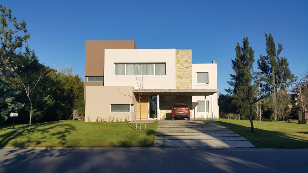 Foto Casa en Alquiler en  Nordelta,  Countries/B.Cerrado (Tigre)  Nordelta, Alquiler Casa de estilo moderno ,de 5 ambientes, con dependencias