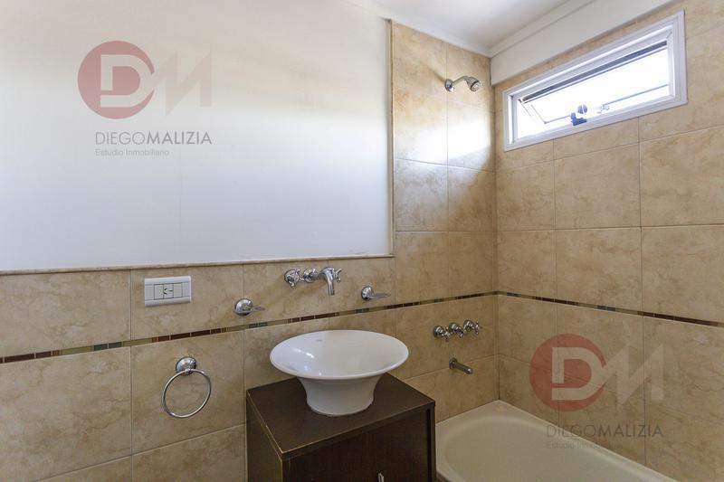Foto Departamento en Venta en  Lomas De Zamora,  Lomas De Zamora  Pedernera 89   2 Amb con Terraza Privada